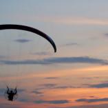Lot paralotnią z napędem